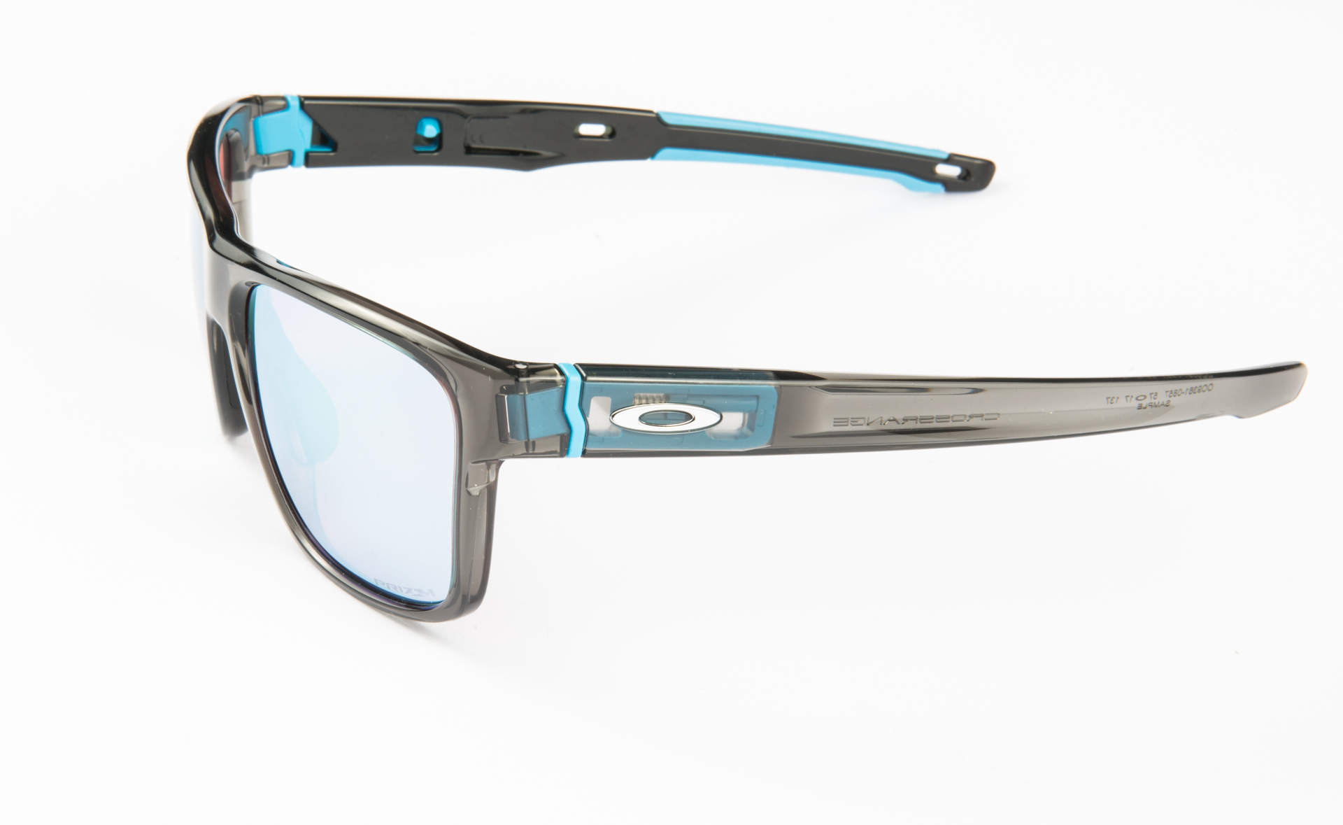 oakley17_48_of_48.jpg