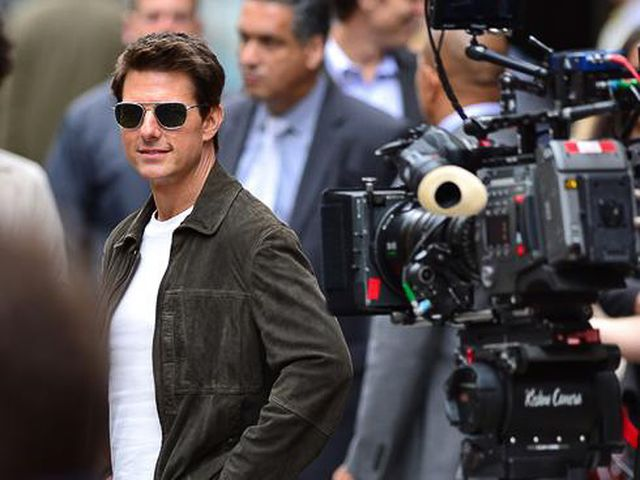 tom cruise x-large_1.jpg