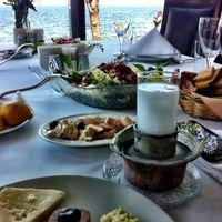 A rakıhoz terített asztal - avagy az ánizspálinka méltó kísérete