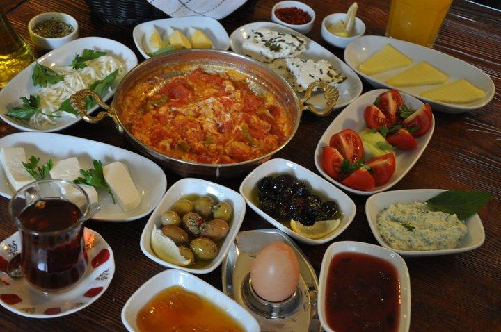 Macaristan Nar Gourmet Moda Van Kahvaltısı hakkında blog yazısı;