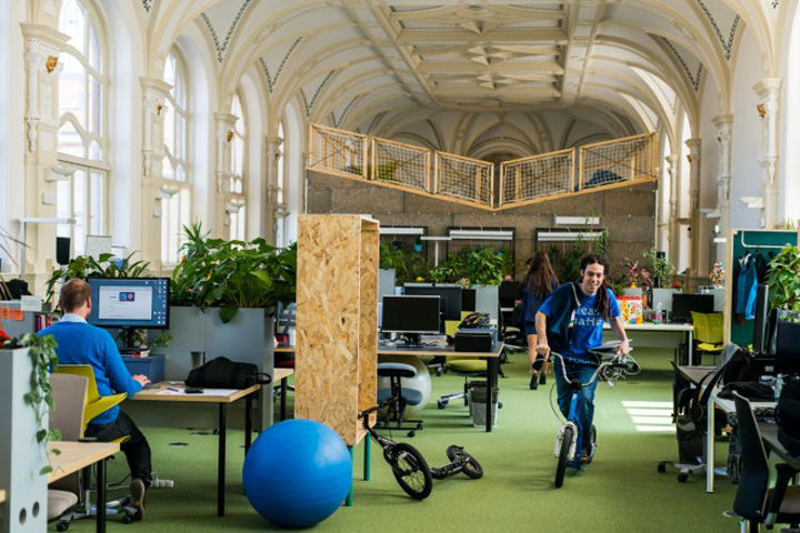 prezi-office-by-minusplus-budapest-hungary.jpg
