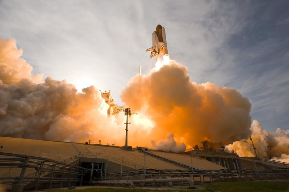 space-shuttle-lift-off-liftoff-nasa.jpg
