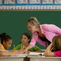 Kire bízzuk a gyerekek tanítását?