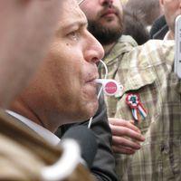 Füttykoncert Orbánnak március idusán