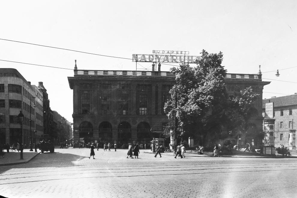 Corvin 1951<br />Foto: Fortepan / UVATERV