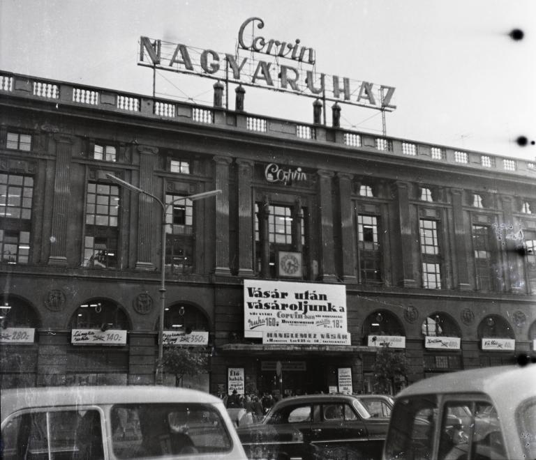 Corvin 1964<br />Fotó: Fortepan / DOBÓCZI ZSOLT