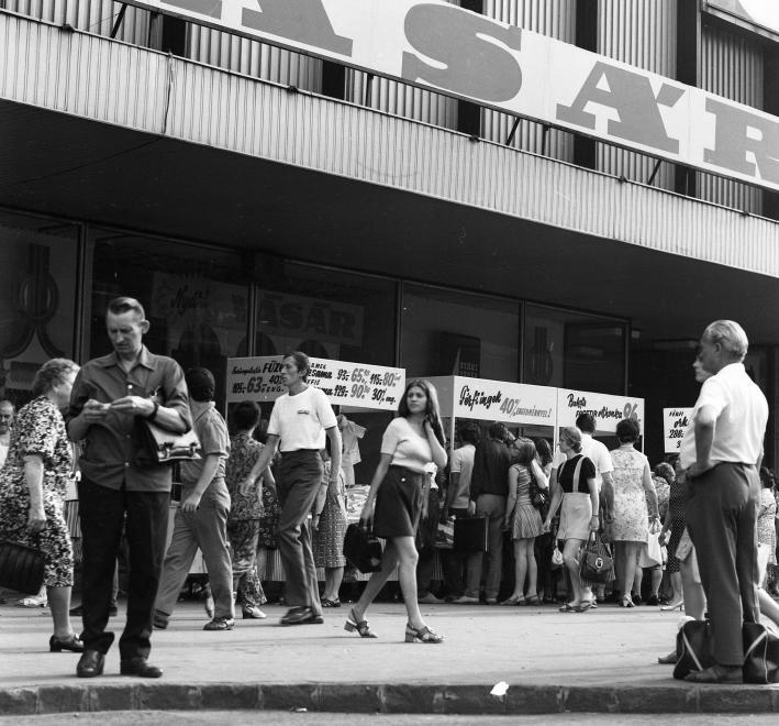 Corvin 1973<br />Fotó: Fortepan / URBÁN TAMÁS