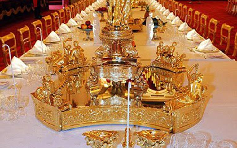 Titkok a Buckingham Palotából  II.