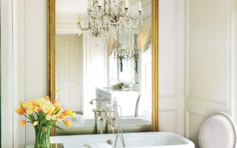 Stílusok a fürdőben - faburkolat, tapéta