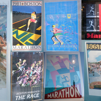 Maratoni plakátok és túlélőhírek Bostonból