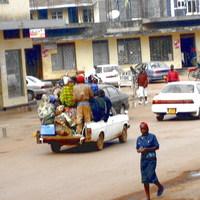 TÚL NAGY A VILÁG - 9. fejezet, Uganda, 3. rész