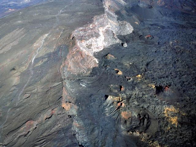 kráter2.jpg