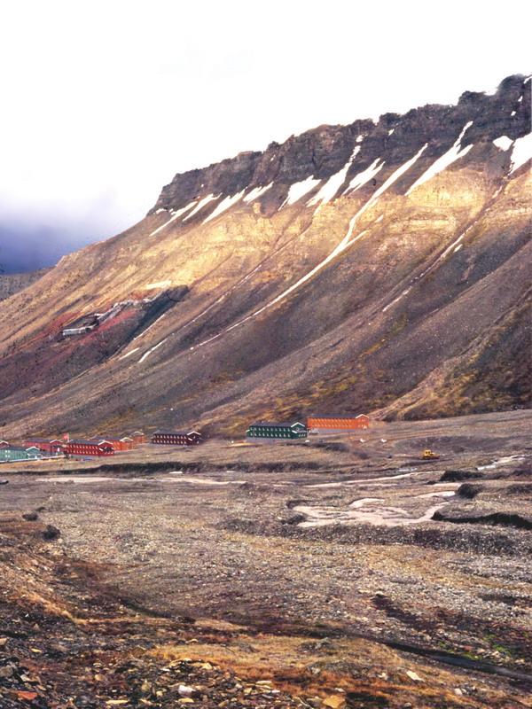longyaerbyen2.jpg