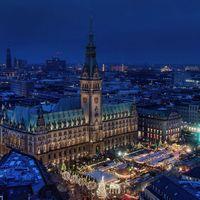 Esti kép Hamburgról