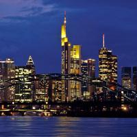 Egy felhőkarcoló az éjszakában, Frankfurt am Main