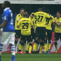 Bombagólok és Dortmund-siker a Schalke otthonában