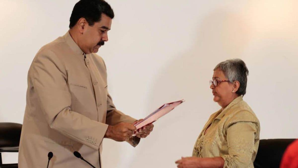 nicolas-maduro-presento-ante-el-consejo-electoral-de-venezuela-el-decreto-de-la-asamblea-nacional-constituyente-249737_1.jpeg