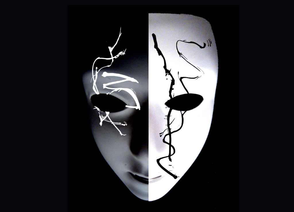 screenshot_2019-12-06_black_and_white_mask_by_hitkill95_on_deviantart.png