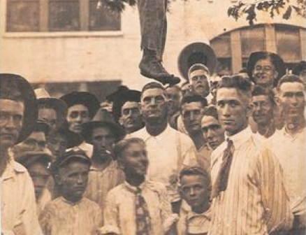 Lynching-Lige-Daniels-1920-Texas.jpg