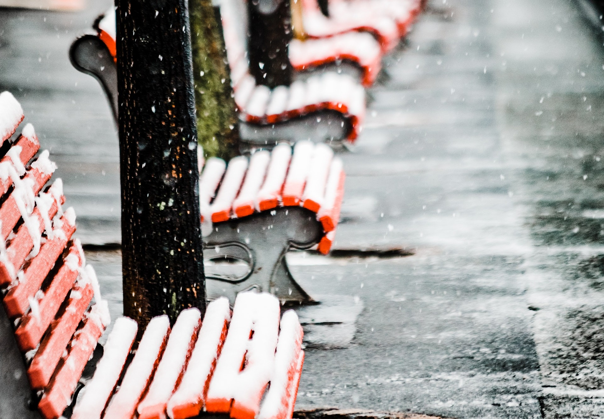 chairs-covered-in-snow-1866690.jpg