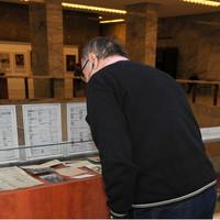 Háborús plakátok, háborús fotók és Csíkvári digitális grafikái a héten utoljára