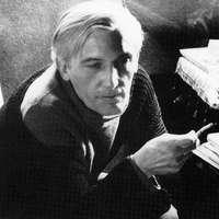 """""""És könny helyett az arcokon a ráncok, /csorog alá, csorog az üres árok."""" – Pilinszky János születésnapja – 1921"""