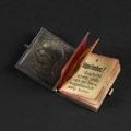 Miniatűr rekorderek: Ötezer kötet, amely dióhéjban is elfér