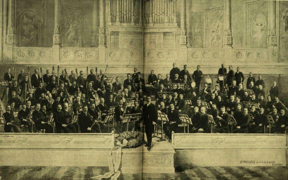 03_filharmonikusok_1903.jpg