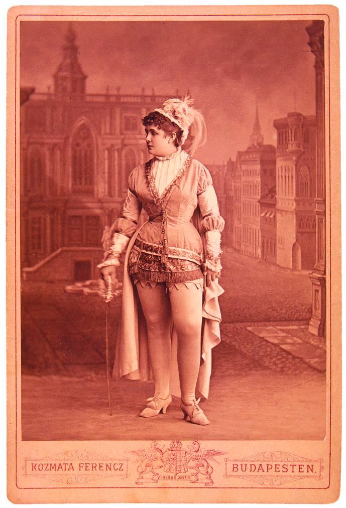 Blaha Lujza mint Boccaccio. Népszínház, 1879. okt. 11. Kózmata felvétele. – Színháztörténeti Tár<br />