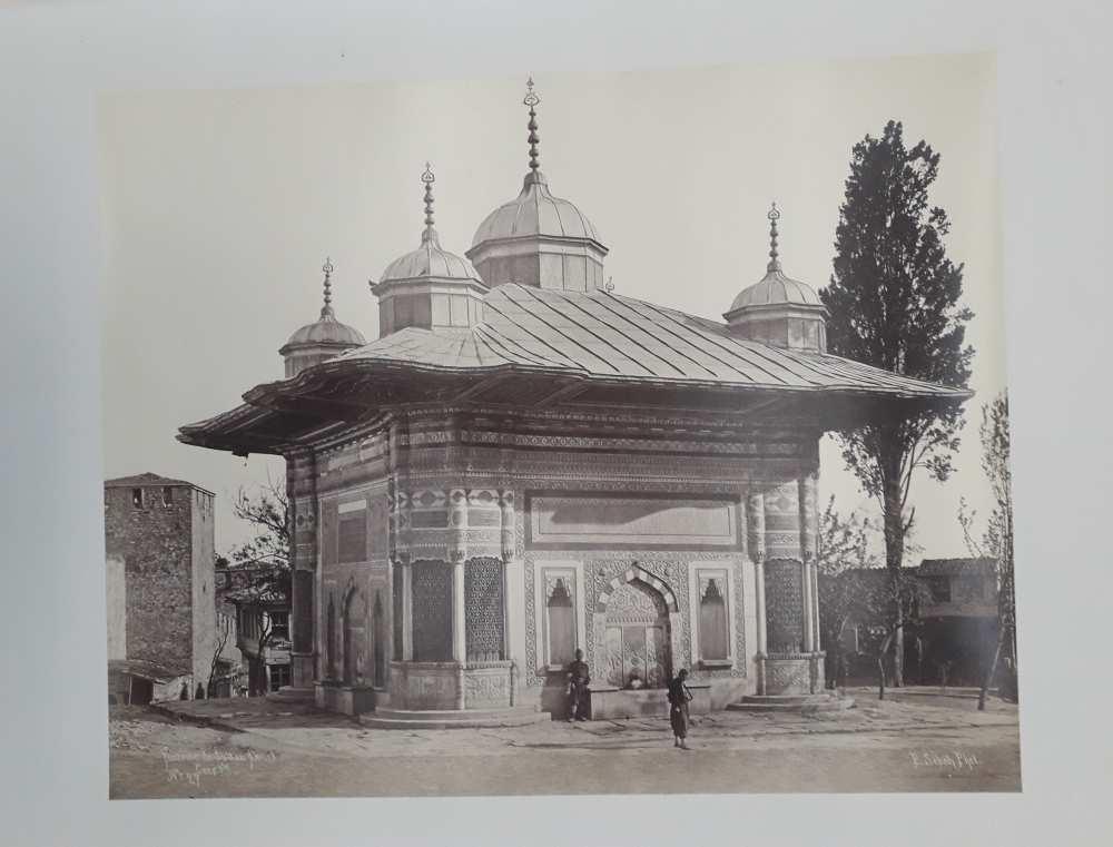 Ahmed szultán kútja. In. Constantinople 1869 (Dm 743) album