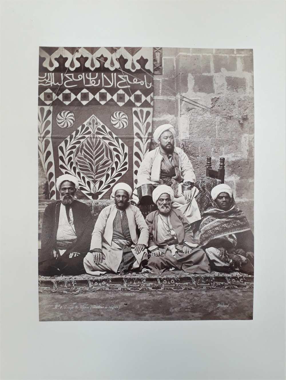Henri Béchard: Iszlám vallástudósok (uléma) csoportképe, 1870-es évek. Fénykép a Dm 488 jelzetű mappából.