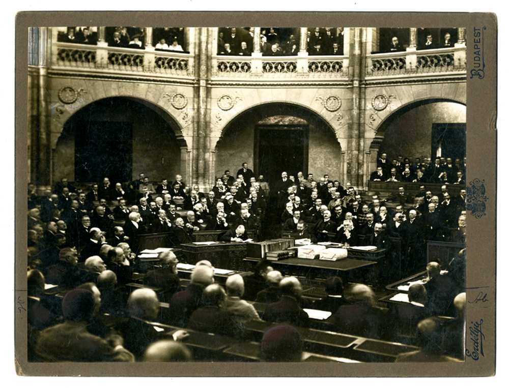 1914-es_parlamenti_haborus_ules_fvb_2635_opti.jpg