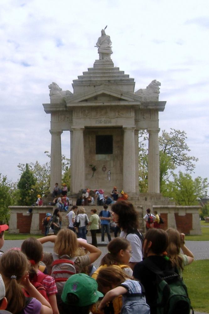 Ópusztaszeri millenniumi emlékmű 2007. A szerző saját felvételei.