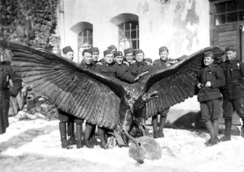 4_cseh_katonak_turullal_1924_b.jpg