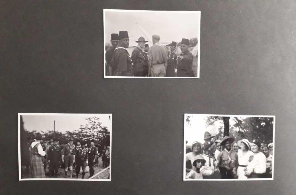 A FAlbum 1198 egyik oldala. FTA 1656–FTA 1657: Baden-Powell cserkészekkel; FTA 1658: Cserkészek barátkozása a világtalálkozón.