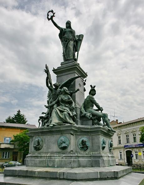 Az aradi Szabadság-szobor ma. A kép forrása: Az aradi Szabadság-szobor Egyesület honlapja http://www.szabadsagszobor-arad.ro/