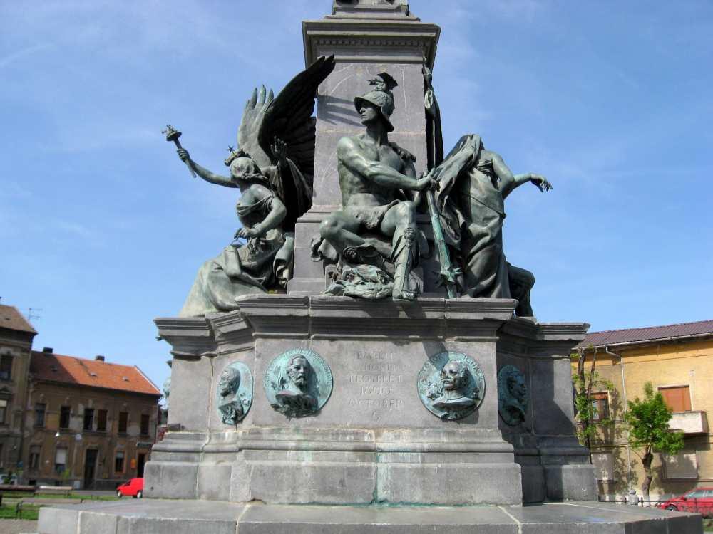 Az aradi Szabadság-szobor részlete. Harckészség. Fotó: Vallasek István