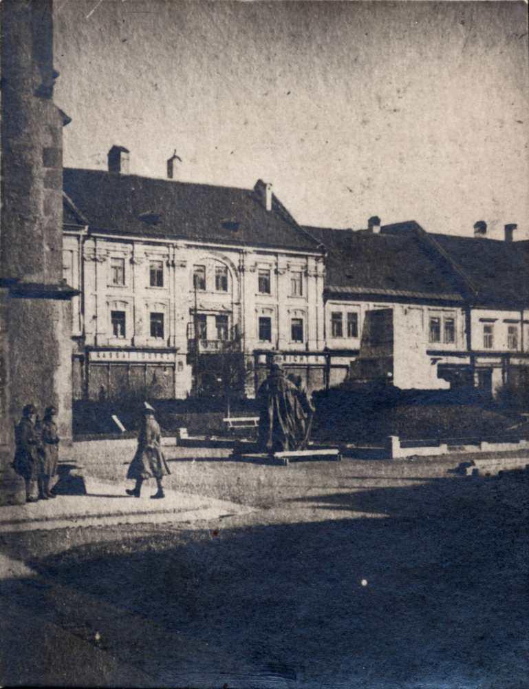 5_kassa_honved_szobor_1919.jpg