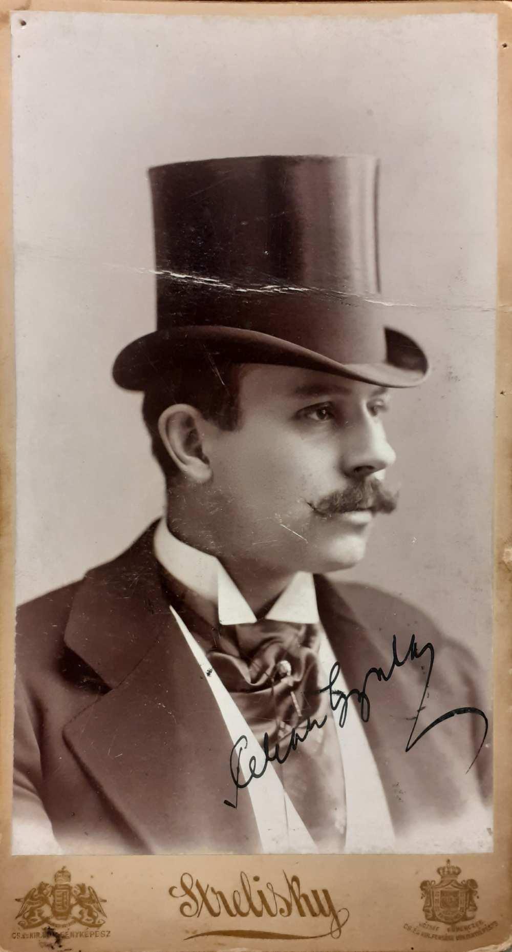 Pekár Gyula (1866–1937) – Strelinsky foto, Budapest, 1896. [NSz] KB P. 87. – Színháztörténeti és Zeneműtár