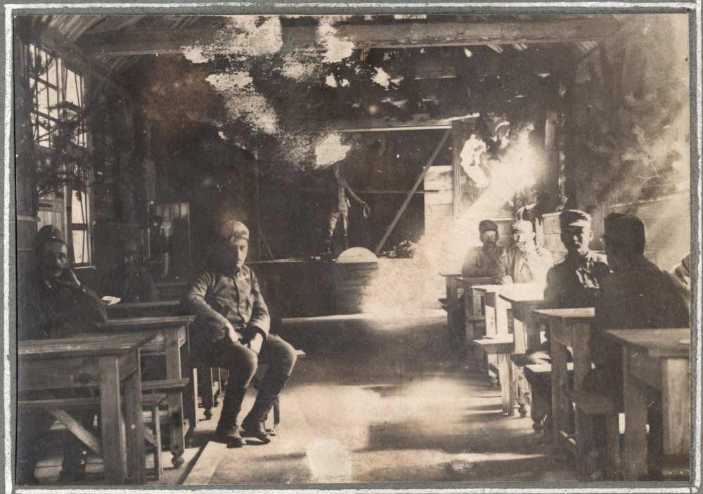 """""""otthon belseje"""". Brany. Fénykép. Jelzet: HIM 66.542/30. – Hadtörténeti Intézet és Múzeum, Fotóarchívum"""