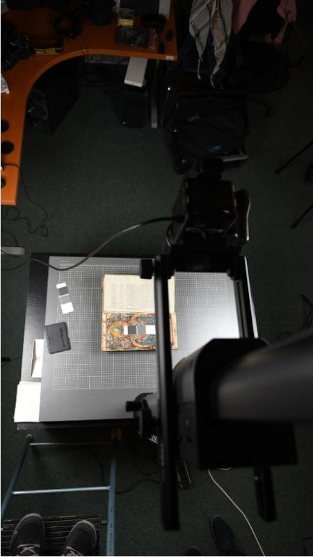 Az Utolsó ítéletet ábrázoló miniatúra digitális fényképezése