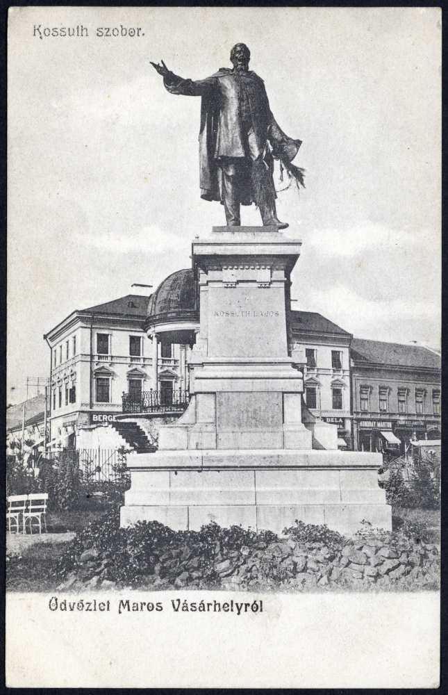 A Kossuth-szobor Marosvásárhelyen. Képeslap – Térkép-, Plakát-, és Kisnyomtatványtár. Jelzet: M 1099