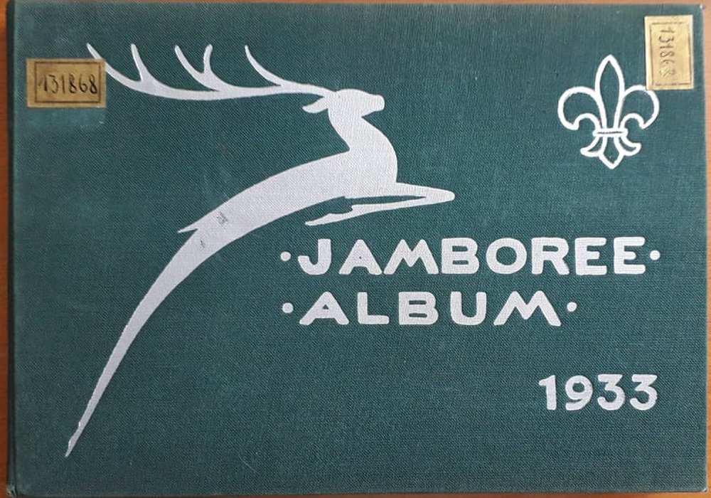 Jamboree Budapest-Gödöllő 1933, szerk.: Radványi Kálmán, Budapest, IV. Világjamboree Táborparancsnokság, 1933. Címlap. – Törzsgyűjtemény. http://nektar.oszk.hu/hu/manifestation/2760620 Elektronikus változat: OSZK Digitális Könyvtár https://oszkdk.oszk.hu/storage/00/02/41/39/dd/1/jamboree_1933.pdf