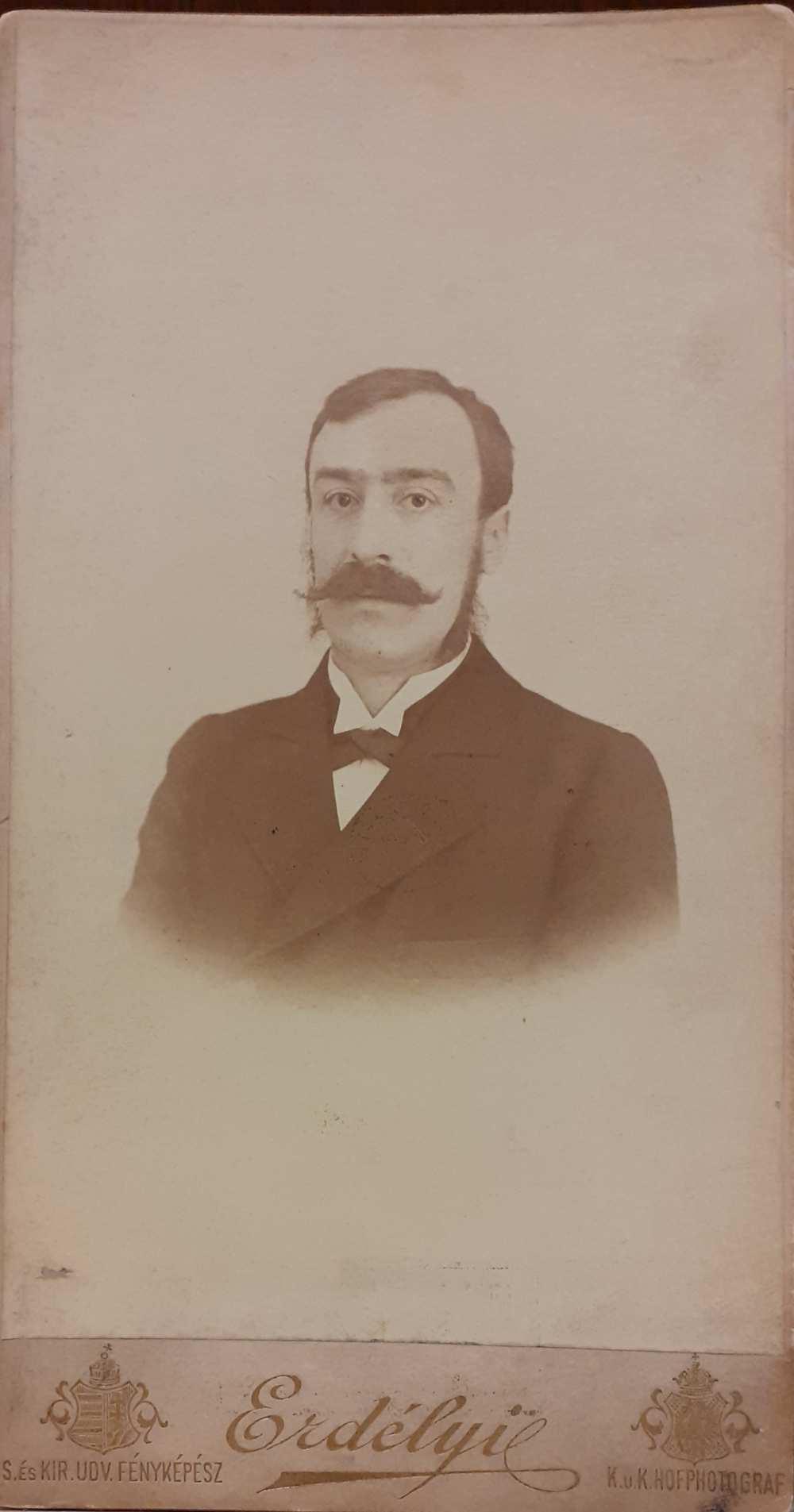 Molnár Viktor (1859–1918) – Erdélyi foto. [NSz] KB M. 285 – Színháztörténeti és Zeneműtár