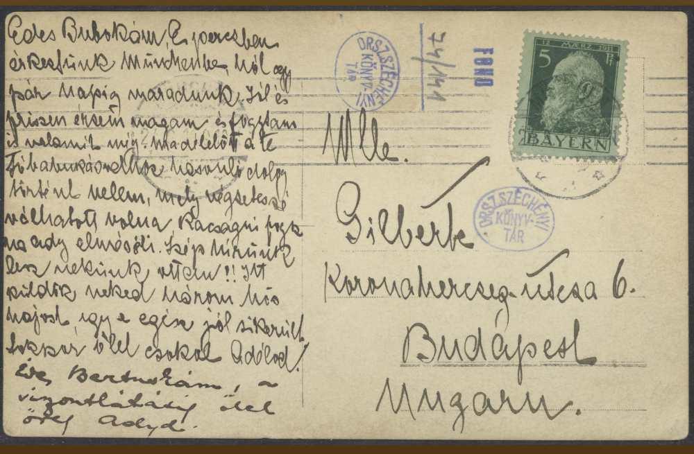 """Ady Prien am Chiemseeből küldött fotóképeslapja Brüll Bertának. Hátlap. A fotóképeslap címzésében olvasható """"Mlle Gilberte"""" nem más, mint Brüll Berta, azaz Léda húga, akivel Ady jó barátságban volt, s kettejük számban is jelentékeny levelezését szintén Kézirattárunk őrzi. Brüll Bertának Madmoiselle Gilberte néven kalapszalonja volt a Koronaherczeg utca 6. szám alatt. Ady, ha nem tartózkodott Pesten, ide kérte a Nyugat tiszteletpéldányait is, ha a fővárosban járt, gyakran látogatta meg itt Bertát.  – Kézirattár. Fond 74/141.<br /><br />"""