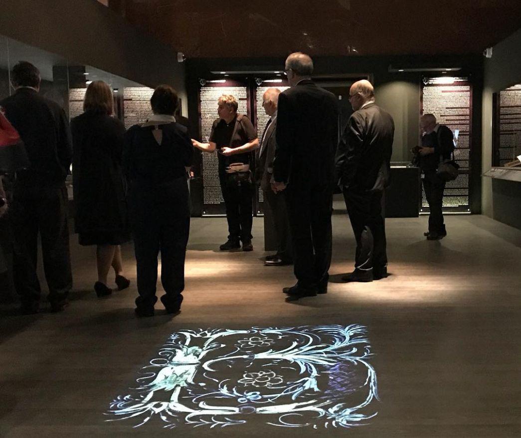 A CORVINA KÖNYVTÁR budai műhelye című kiállítás látogatói