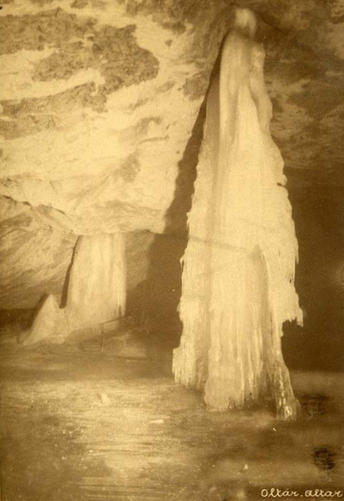 Dobsinai jégbarlang: látkép. Fotó: Divald Károly, Dobsina, 1887.– Történeti fénykép-és videótár. Jelzet: Ftb 134