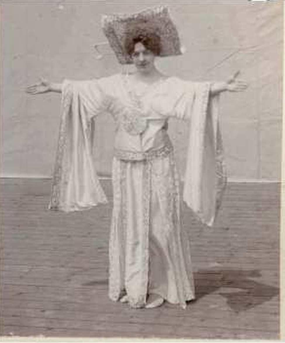 fedak-sari-a-tanc-1901-kicsi.jpg