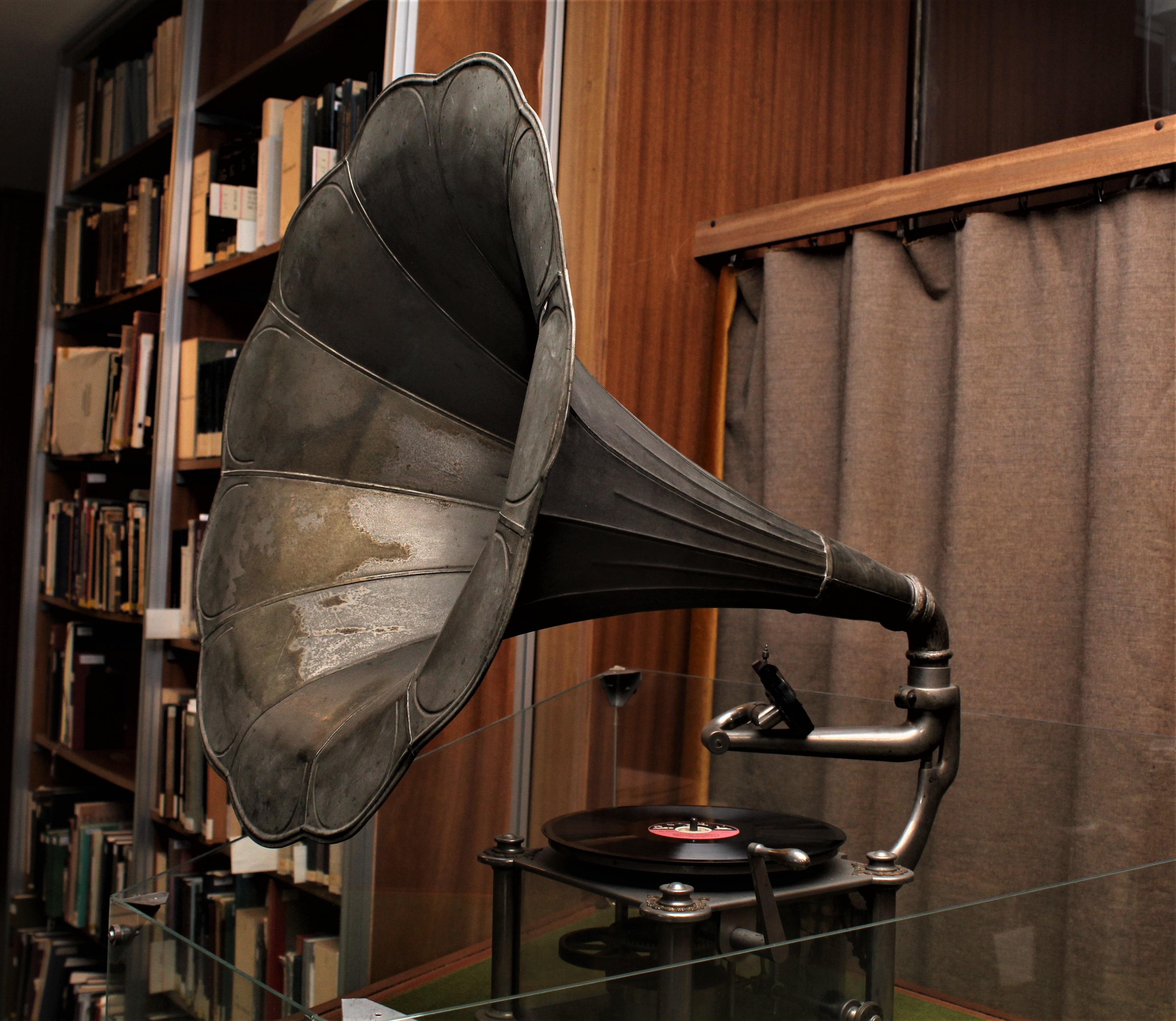gramofon_az_oszk-ban_2.JPG