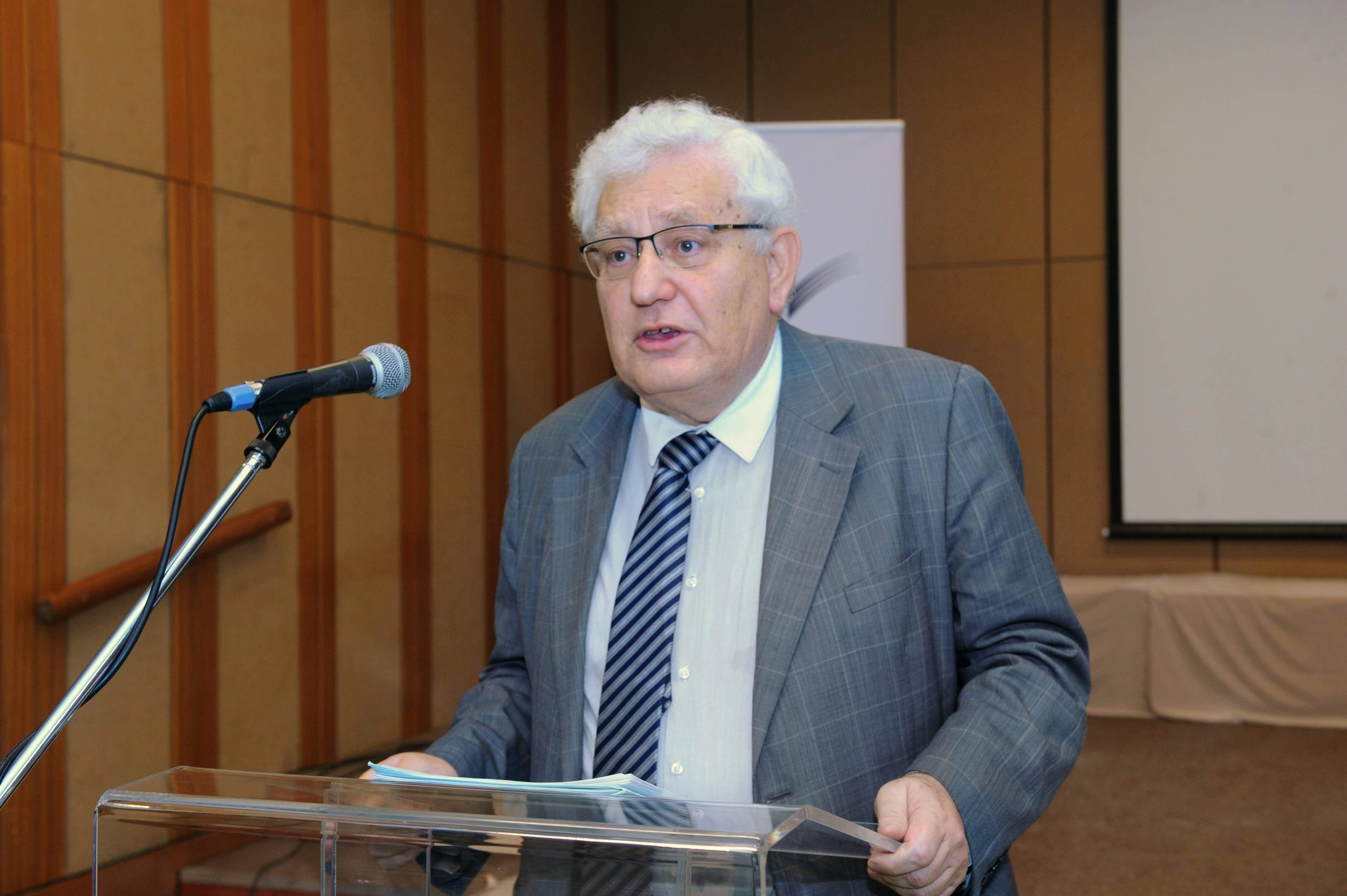 Az OSZK alapítási ünnepsége alkalmából 2019. november 19-én rendezett belső ünnepségen a Széchényi-emlékérem tavalyi díjazottja, Heltai János, a Könyv- és Művelődéstörténeti Kutatások Osztálya munkatársa megtartja előadását.